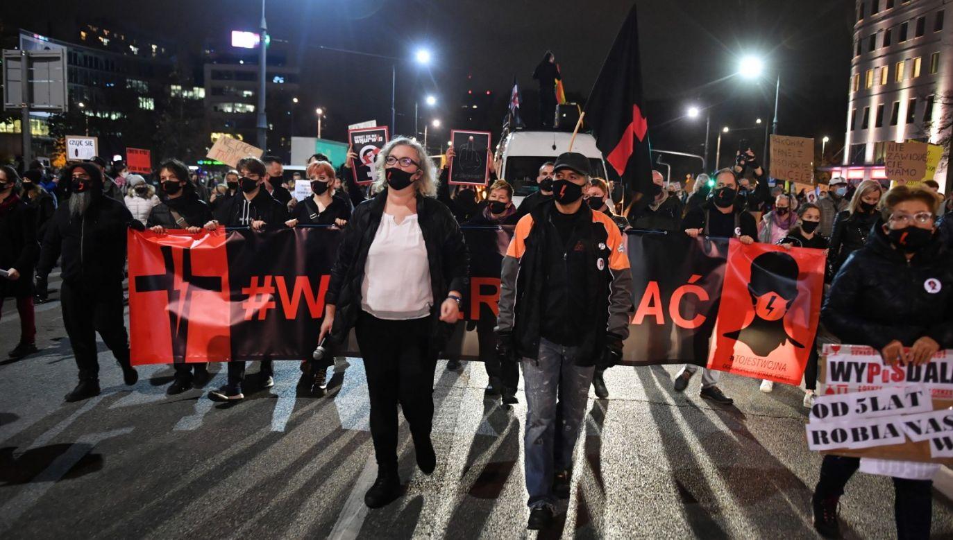 Udział w manifestacjach poparcia dla aborcji to grzech (fot. PAP/Radek Pietruszka)