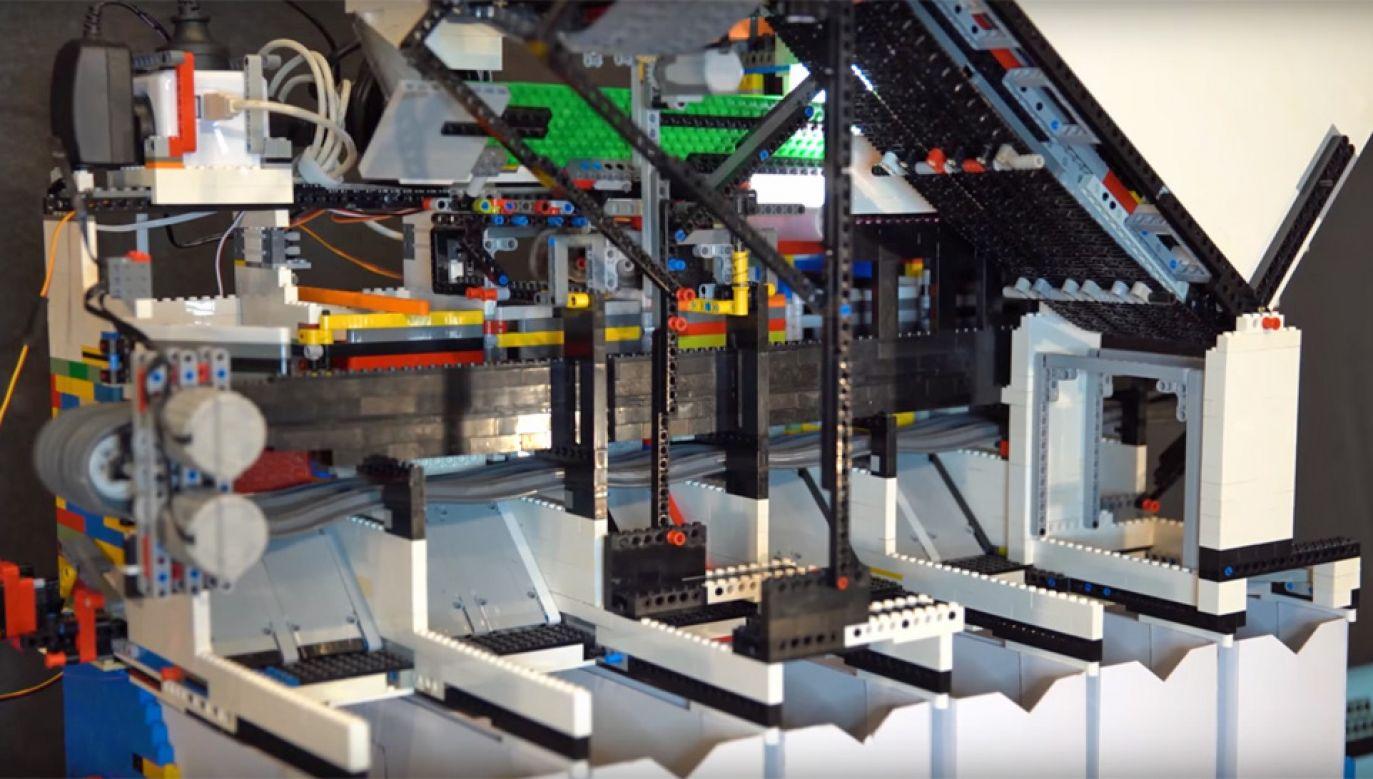 Urządzenie zbudowano z 10 tys. klocków LEGO (fot. YT/Daniel West)