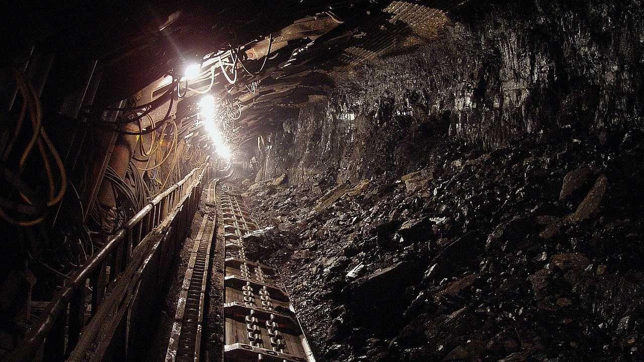 Ratownicy górniczy wydobyli ciała (fot. Pixabay)