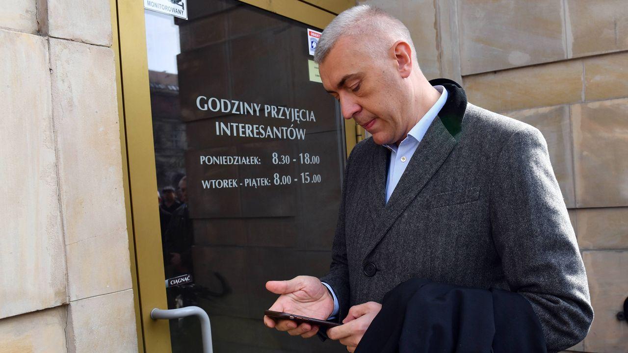 Telewizja w sobotnim oświadczeniu zapowiedziała obronę dziennikarzy (fot. arch.pap/ Marcin Bielecki)