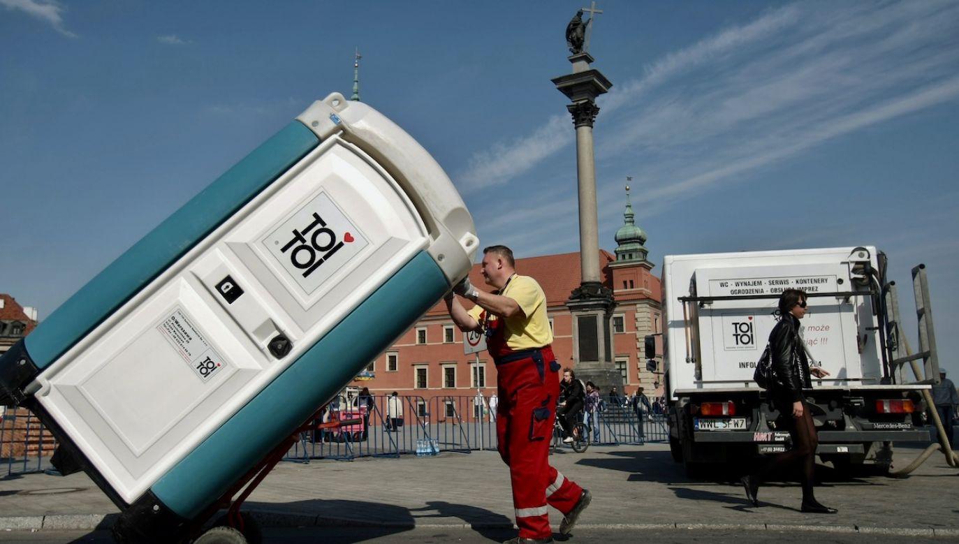 Szacunki nie obejmują milionów turystów (fot. arch.PAP/Leszek Szymański)