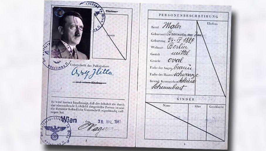Fałszerze z SOE spreparowali nawet paszport Adolfa Hitlera (fot. National Archives)