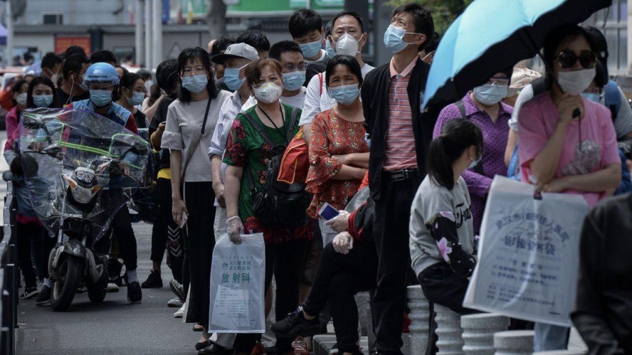 Nielegalne jest również polowanie na dzikie zwierzęta (fot. Feature China/Barcroft Media via Getty Images)