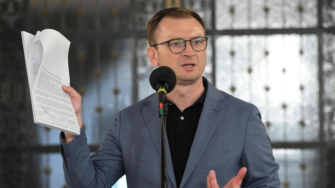 Poseł PO Sławomir Nitras (fot. PAP/Radek Pietruszka)