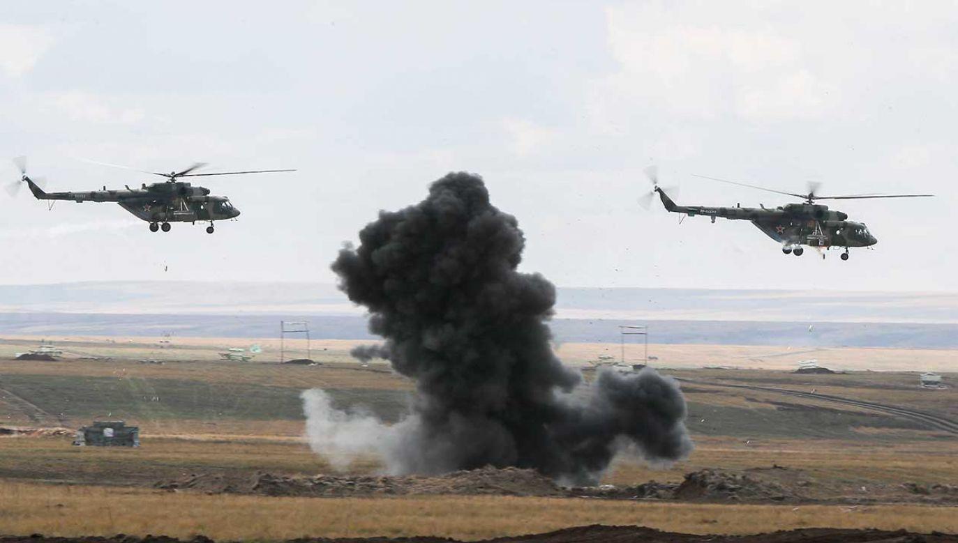Oficjalnie zadeklarowano udział w manewrach 128 000 żołnierzy (fot. arch. PAP/ITAR-TASS/Gavriil Grigorov)