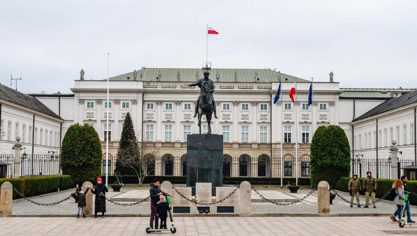 Wszelkie informacje o ułaskawieniach podjętych przez prezydenta Andrzeja Dudę są dostępne na stronie internetowej prezydenta (fot. Shutterstock/egotripone)