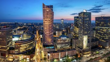 W ubiegłym roku doszło do 282 przejęć o łącznej wartości 11,7 mld euro (fot. Shutterstock/Mike Mareen)