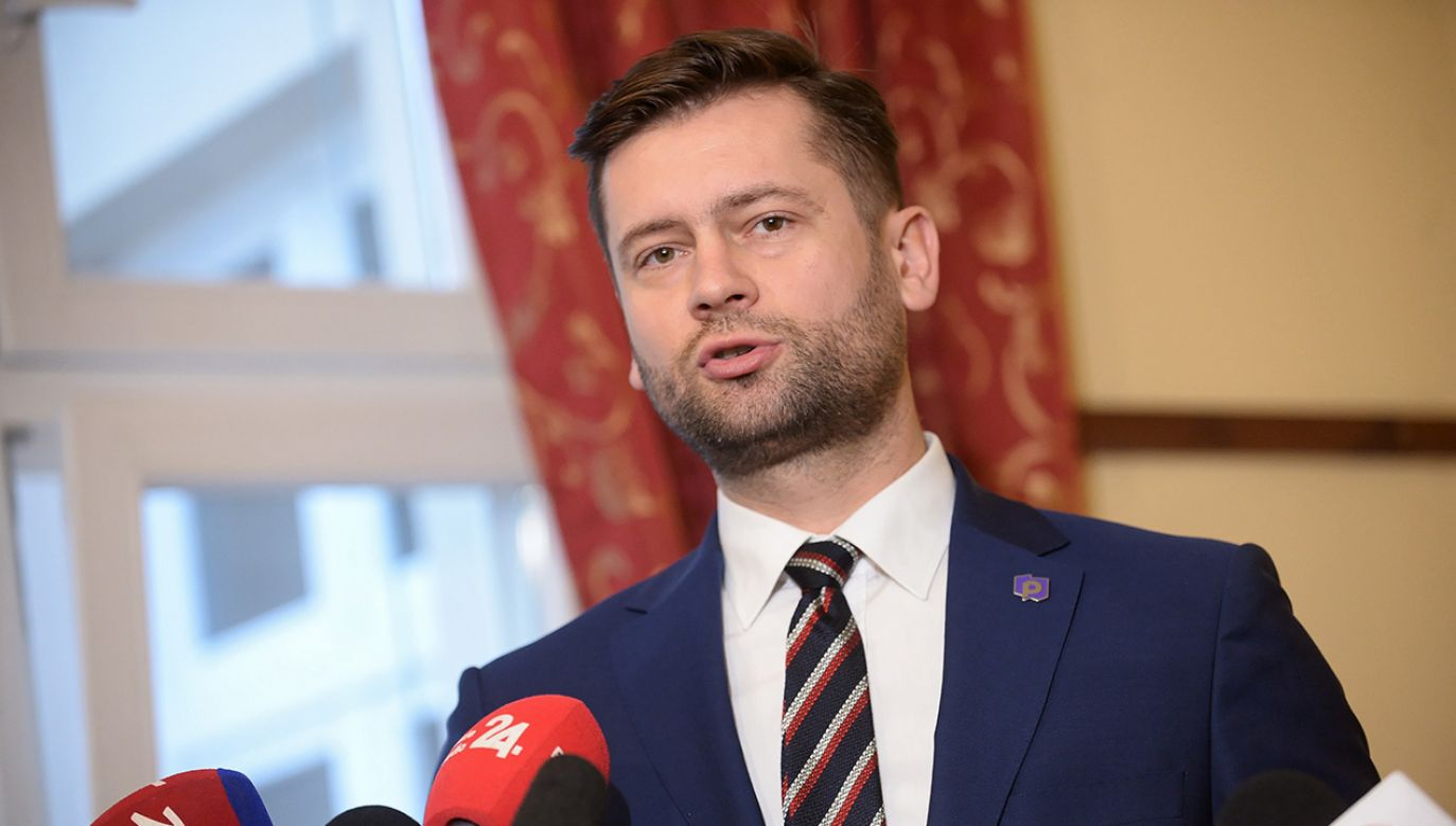 Kamil Bortniczuk z Porozumienia (fot. PAP/Marcin Obara)