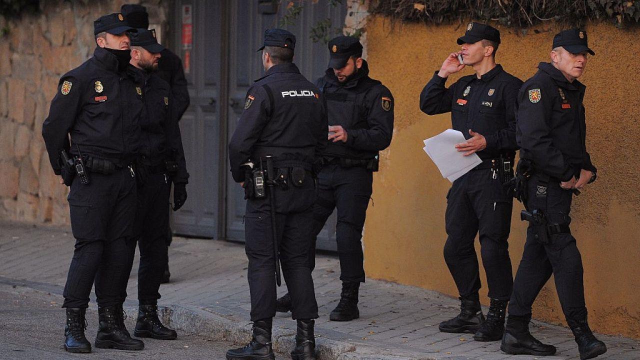 O rozbiciu grupy poinformowała hiszpańska policja (fot. Denis Doyle/Getty Images)