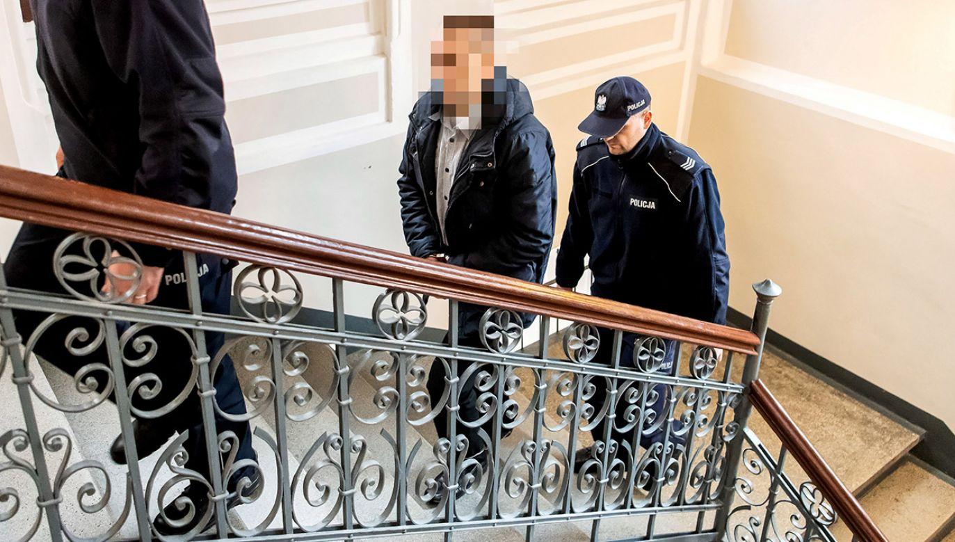 Policjant wykorzystał seksualnie zatrzymaną kobietę (fot. PAP/Tytus Żmijewski)