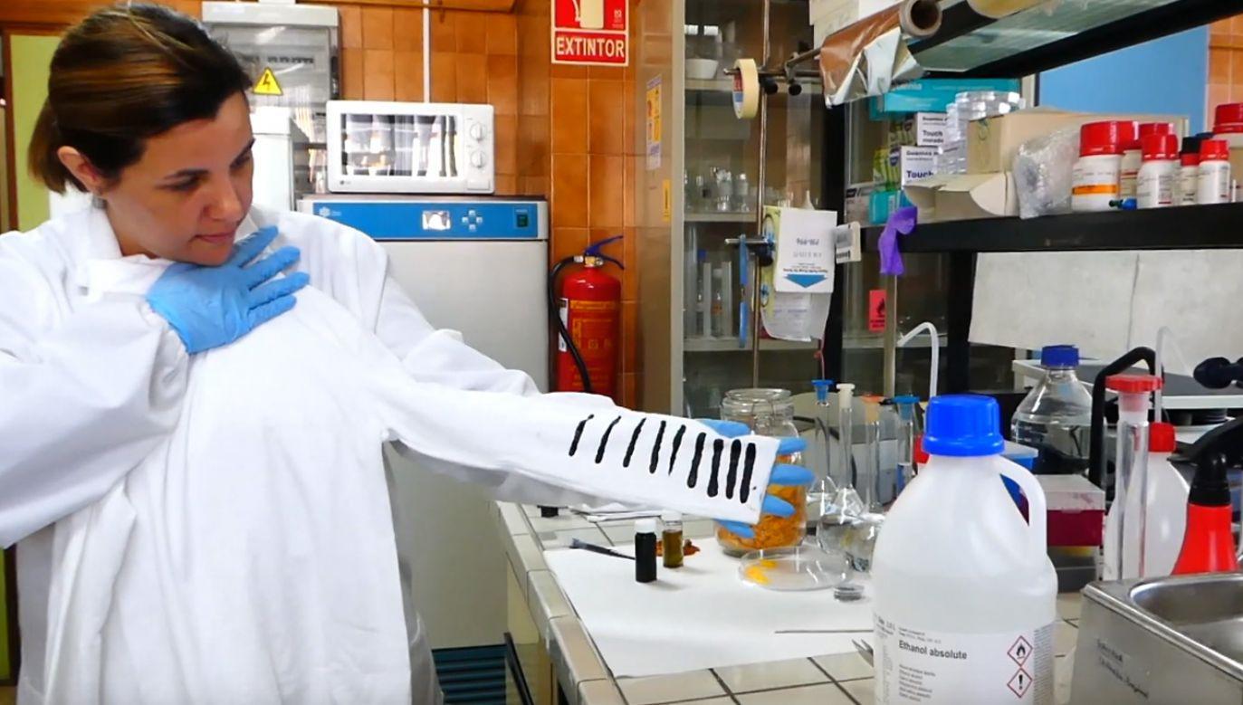 Naukowcy z Malagi wynaleźli substancję pomagającą wytworzyć ładunki elektryczne. (fot. YouTube/Universidad de Málaga)