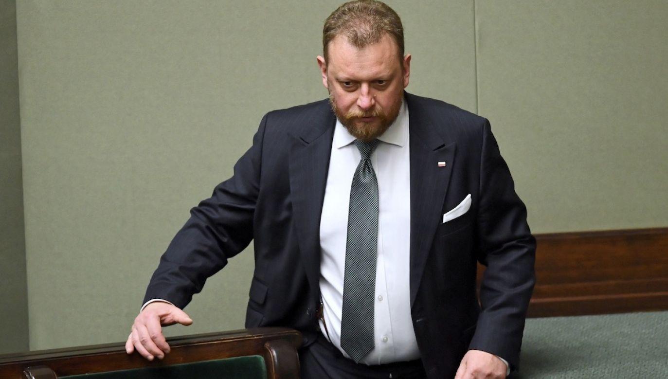 Szumowski przyznał, że obawia się swoje życie, dlatego od kilku dni korzysta z ochrony funkcjonariuszy Służby Ochrony Państwa (fot. PAP/Radek Pietruszka)