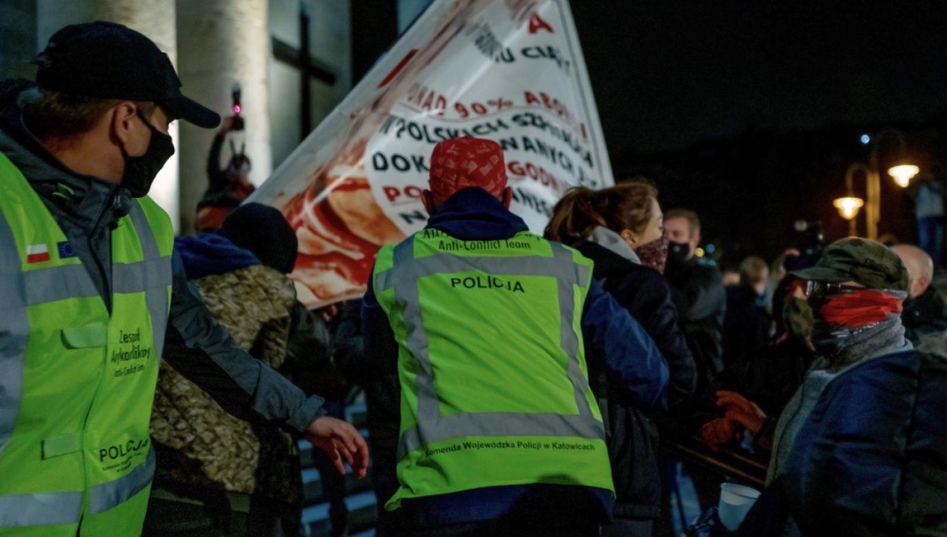 Do zdarzenia doszło w trakcie protestów w sprawie aborcji (fot. PAP/Andrzej Grygiel, zdjęcie ilustracyjne)