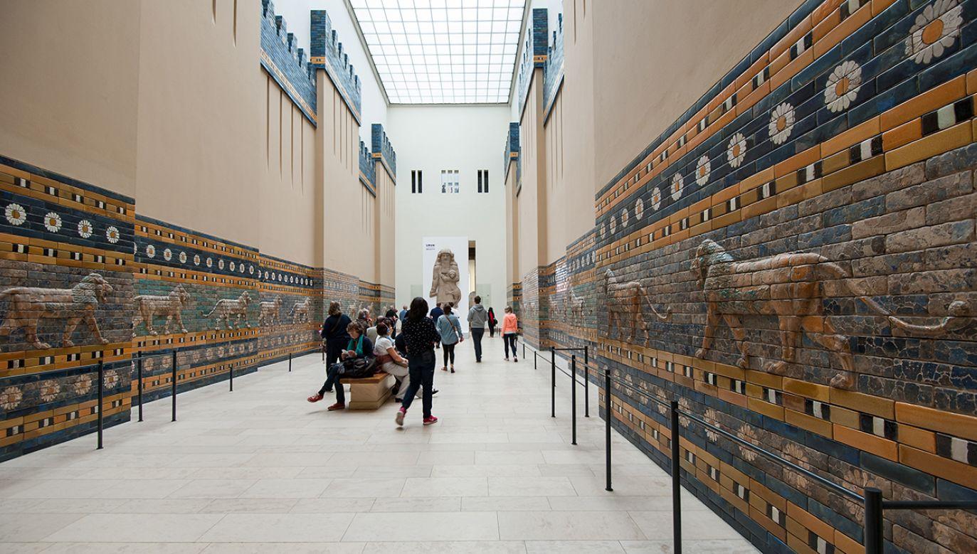 """Fakt, że ruiny Babilonu znalazły się na liście dopiero teraz to """"zasługa"""" grabieży, przede wszystkim niemieckich. Na zdjęciu – Muzeum Pergamońskie w Berlinie (fot. Shutterstock/pio3)"""
