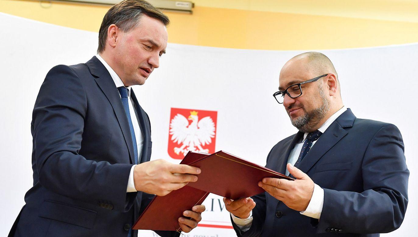 Za dodatkowe pieniądze z Funduszu Sprawiedliwości zostanie zakupiony nowy sprzęt ratujący życie (fot. PAP/Piotr Polak)