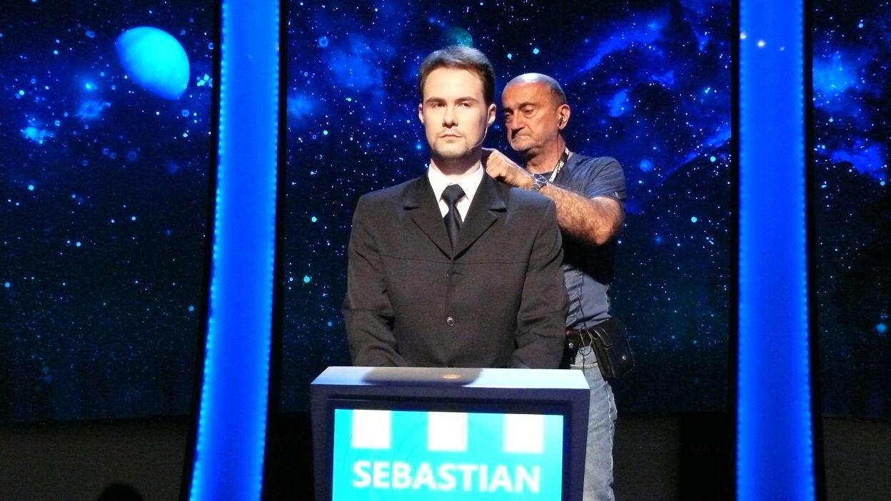 Pan Sebastian szkuje się do nagrania 8 odcinka 115 edycji