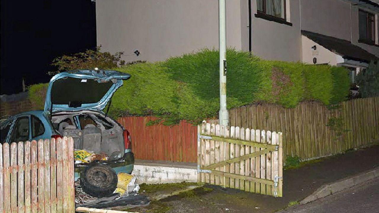 Bombę miała podłożyć organizacja o nazwie Nowa IRA (fot. PAP/EPA/PSNI)