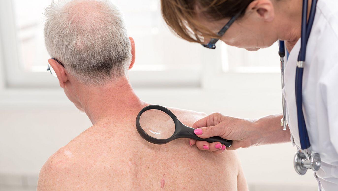 """""""Zdrowie jest w naszych rękach"""" (fot. Shutterstock/thodonal88)"""