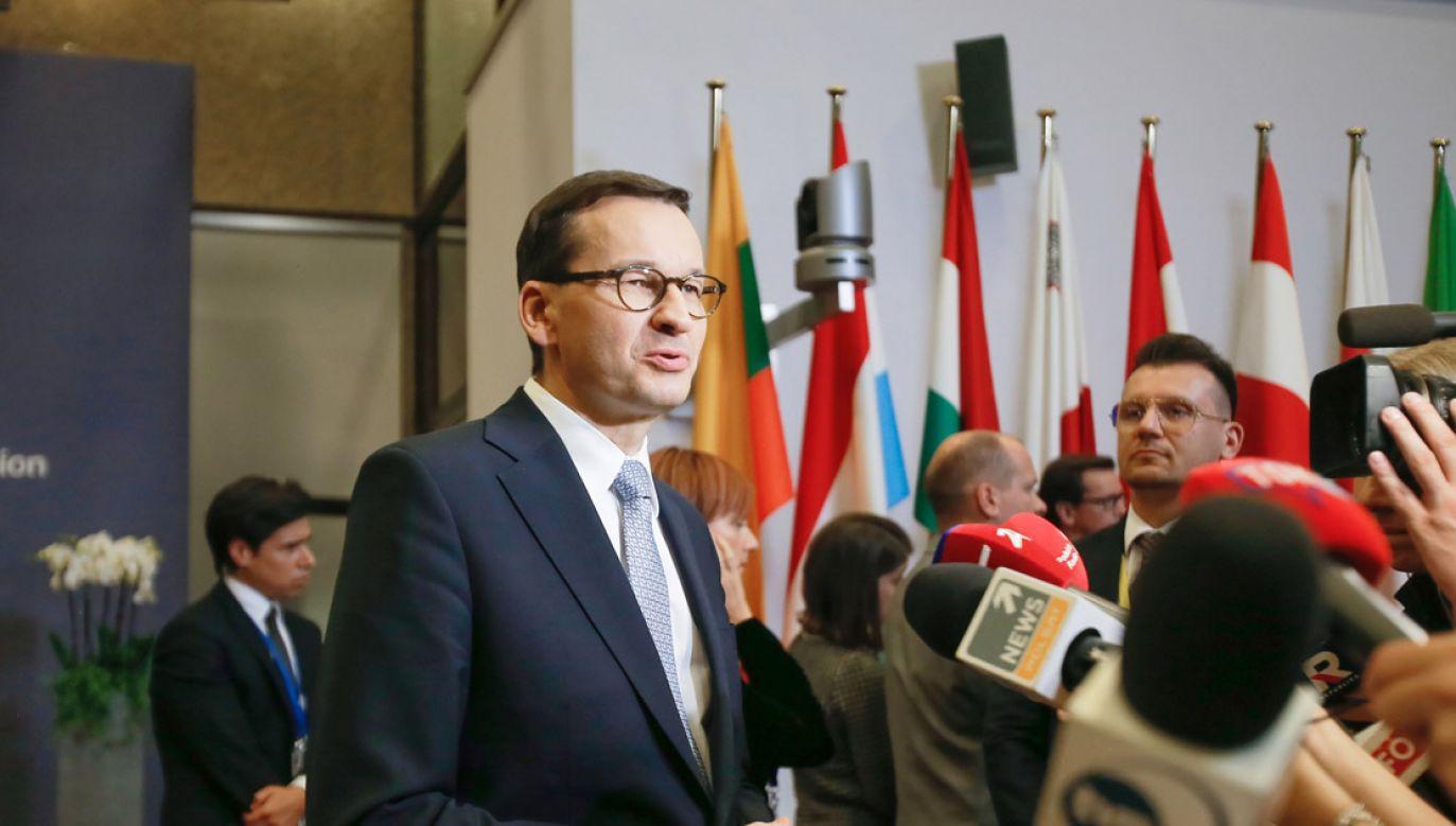 Mateusz Morawiecki podczas unijnego szczytu w Brukseli (fot. PAP/Leszek Szymański)