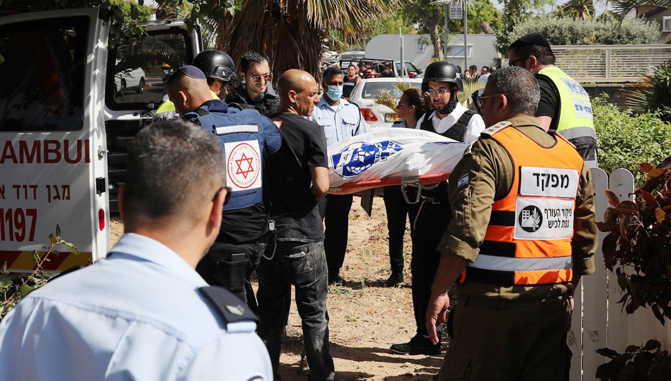 Rakiety spadająna obiekty cywilne w Izraelu i Palestynie (fot. PAP/EPA/ABIR SULTAN)