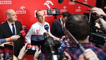 Daniel Obajtek, prezes Orlenu, wyjaśnia, dlaczego polski koncern inwestuje m.in. w sporty motorowe i współpracę z Robertem Kubicą (fot. PAP/Piotr Nowak)