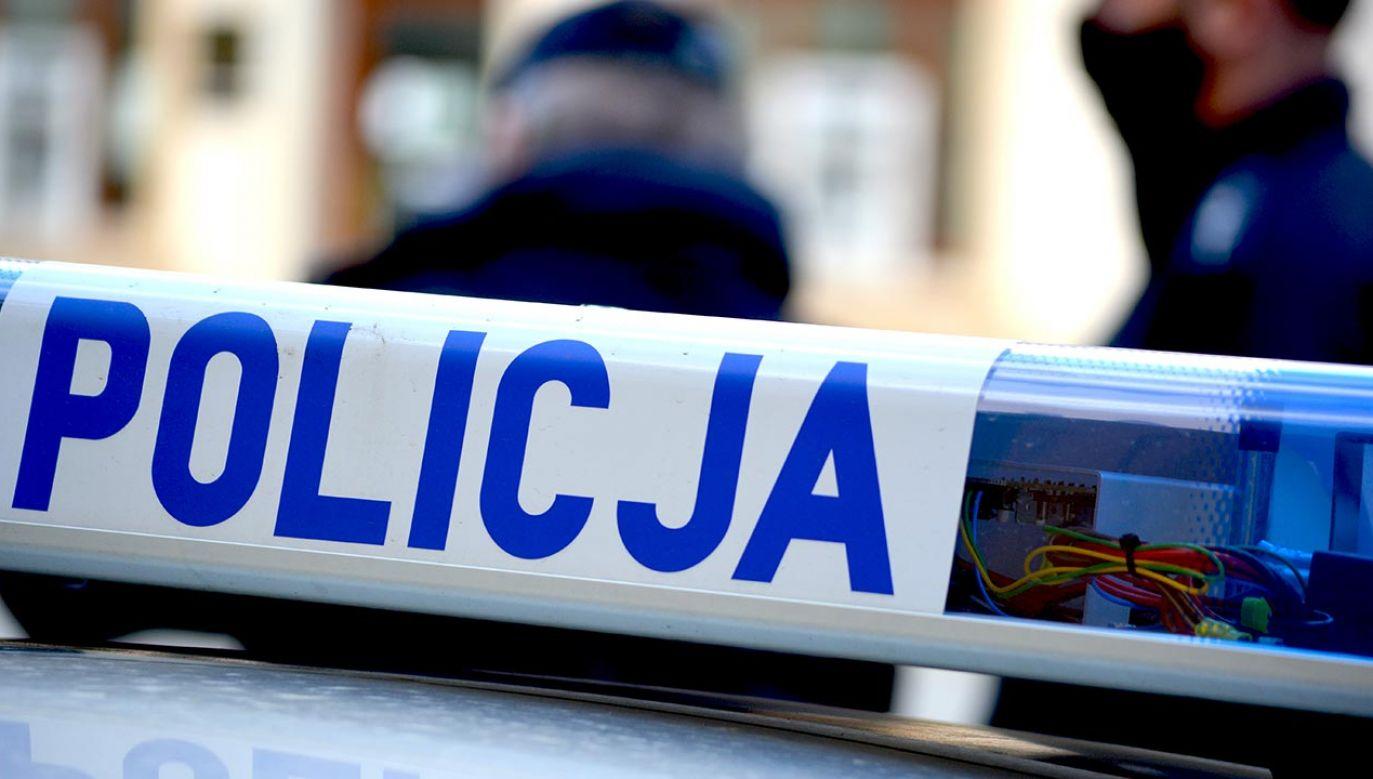 Zwłoki mężczyzny znaleziono w fontannie (fot. Shutterstock)