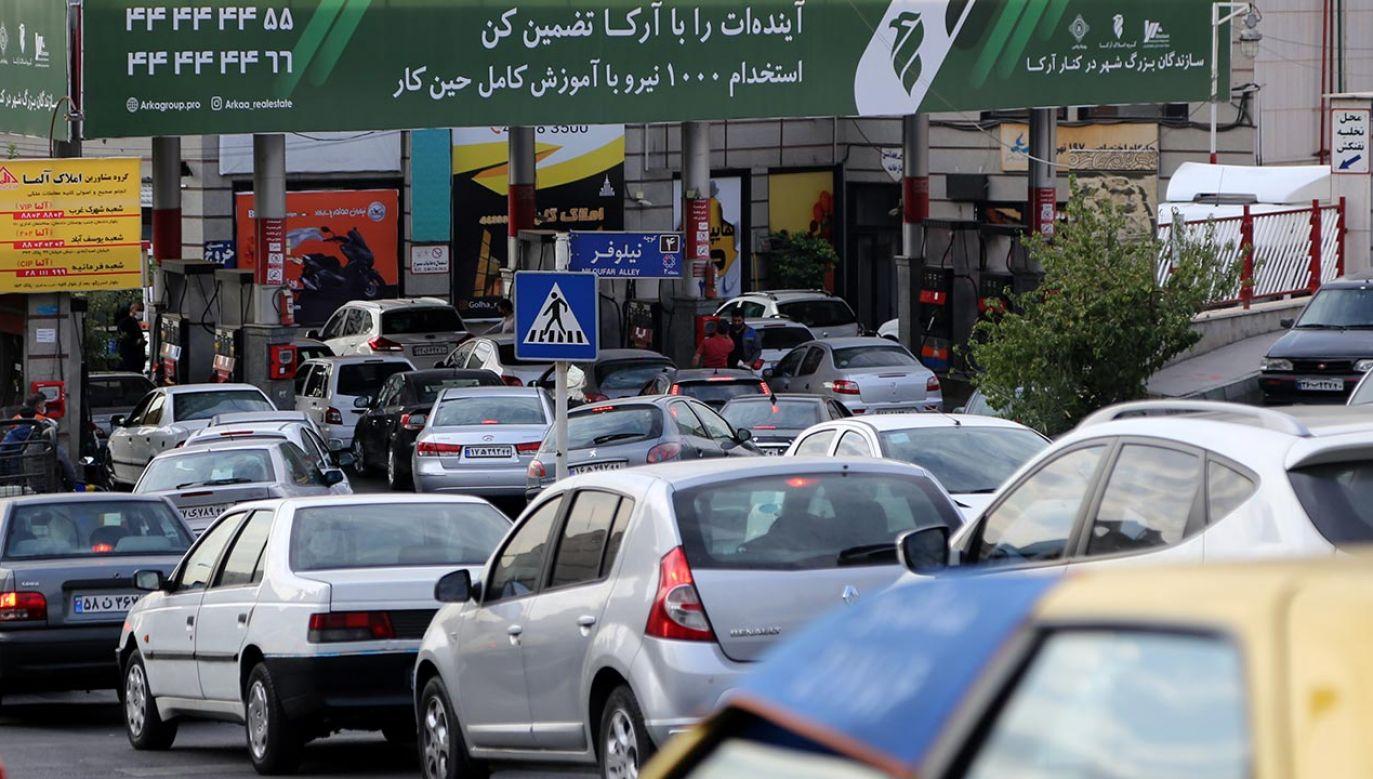 Cyberatak na irańskie stacje benzynowe (fot. Fatemeh Bahrami/Anadolu Agency via Getty Images)
