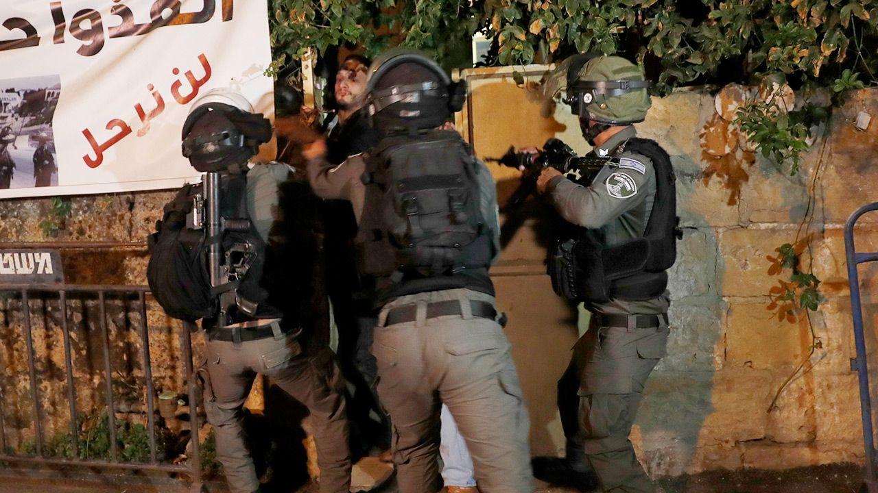 Tunele staną się masowymi grobami Hamasu (fot. PAP/EPA/ATEF SAFADI)