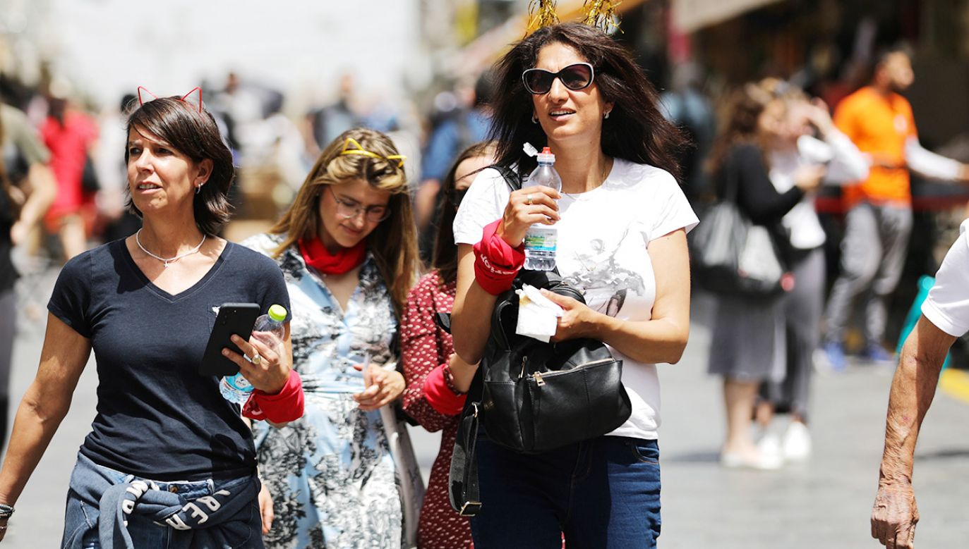 W Izraelu zniesiono najważniejsze restrykcje (fot. PAP/EPA/ABIR SULTAN)