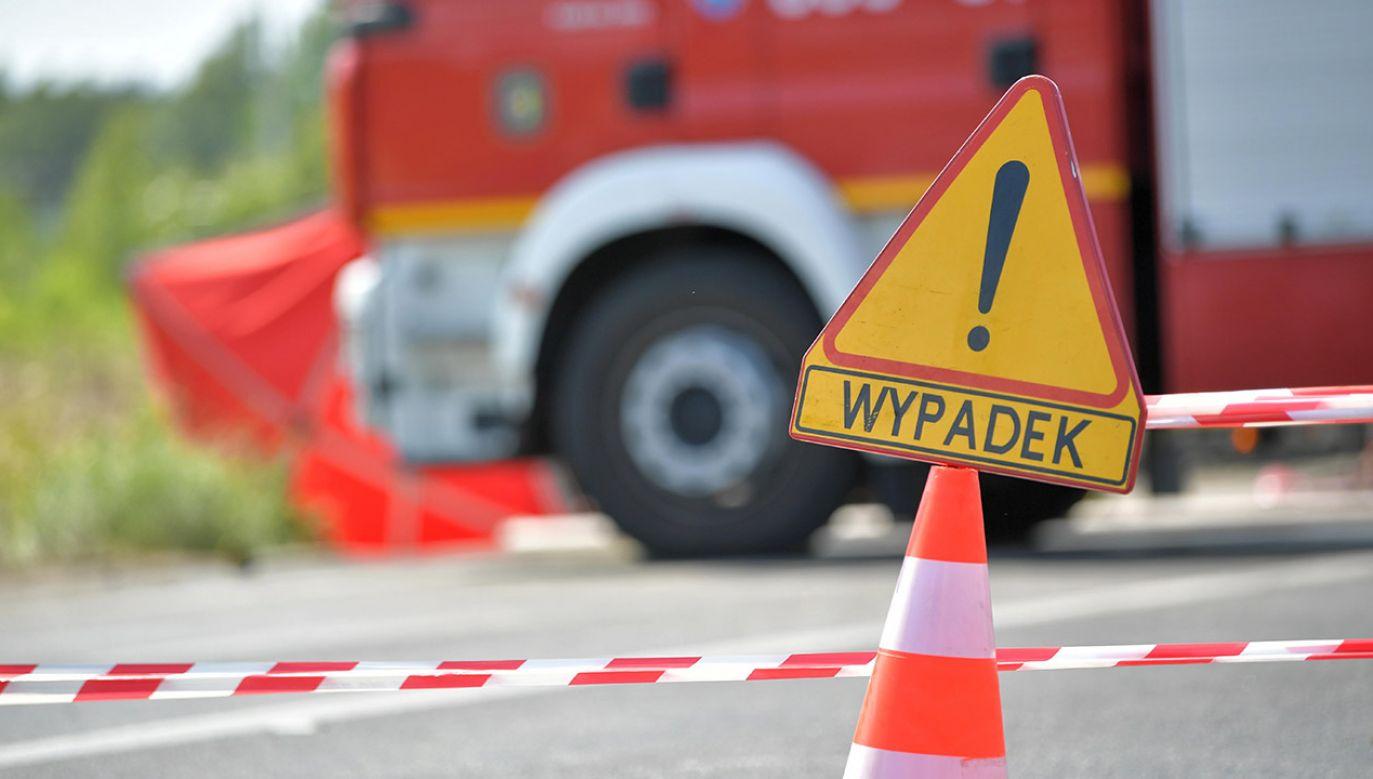 Policja zwraca uwagę na to, że wypadki zazwyczaj nie są przypadkiem, a wynikiem niebezpiecznego zachowania kierowcy lub pieszego (fot. arch.PAP)