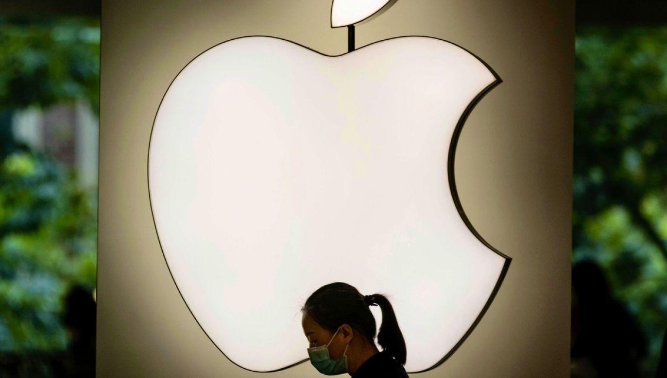 KE chciała zmusić producenta iPhone'ów do zapłaty 13 mld euro z tytułu zaległych podatków w Irlandii fot. PAP/EPA/ALEX PLAVEVSKI)