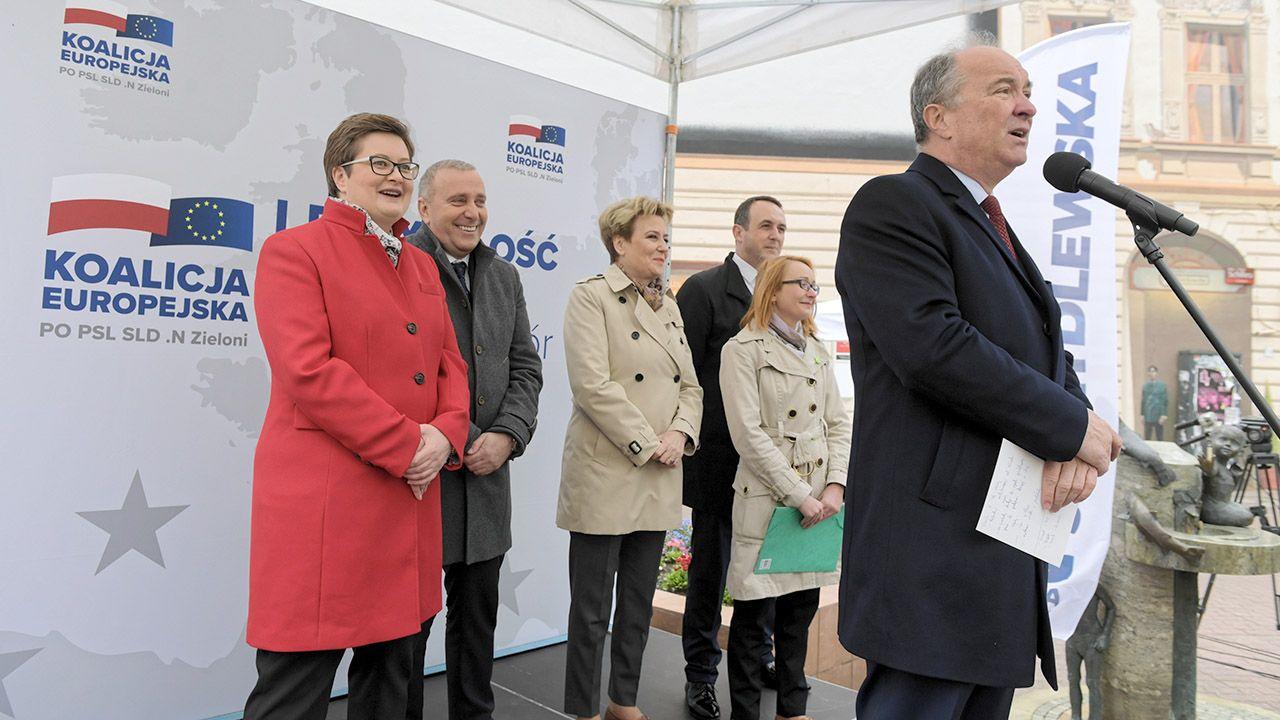 W filmie w humorystyczny sposób zestawiono wypowiedzi polityków Koalicji Europejskiej (fot. PAP/Grzegorz Michałowski)