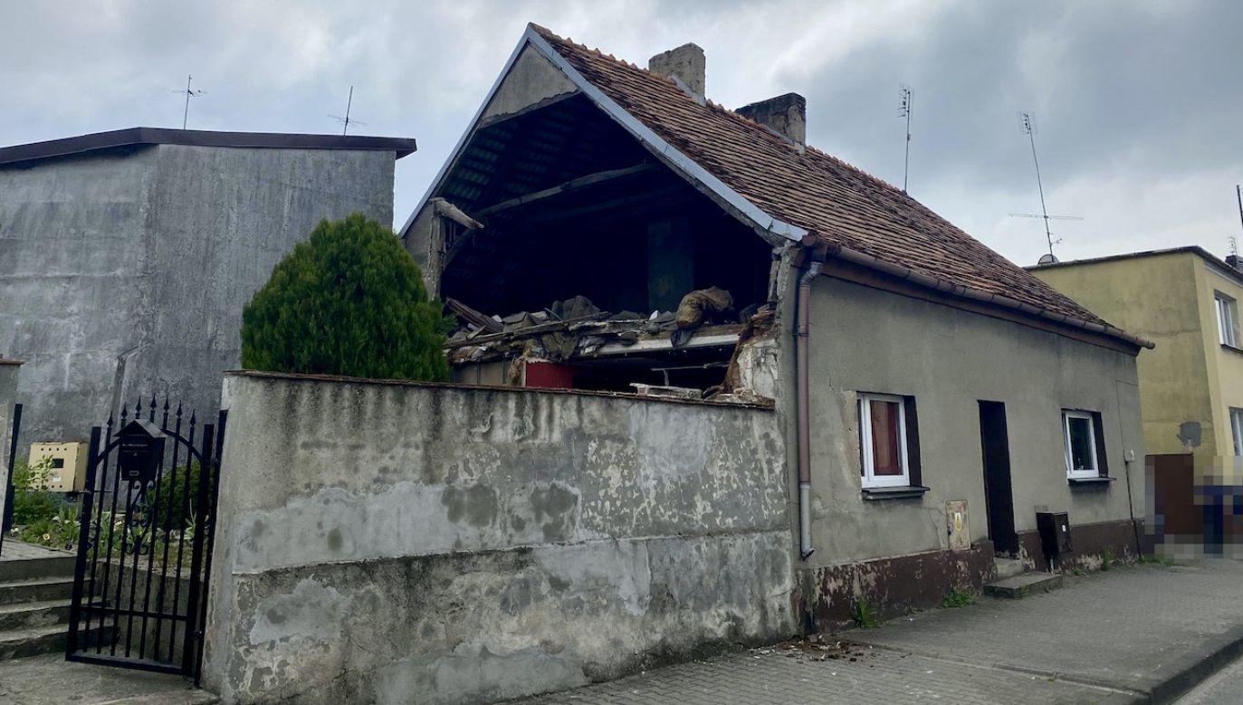 Zawaliła się ściana szczytowa budynku (fot. OSP Buk)