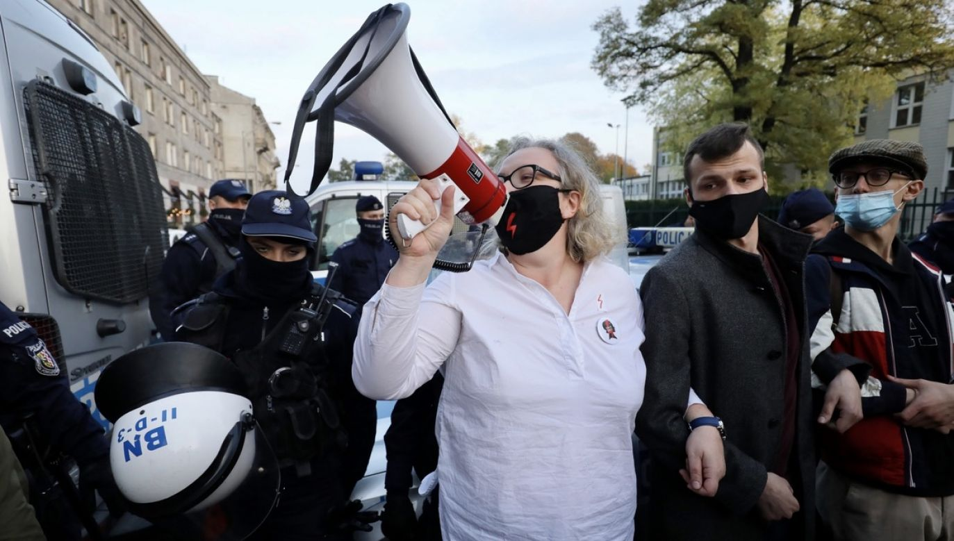 """Jedna z liderek proaborcyjnych protestów uważa, że """"wybory były częściowo sfałszowane"""" (fot. PAP/Paweł Supernak)"""
