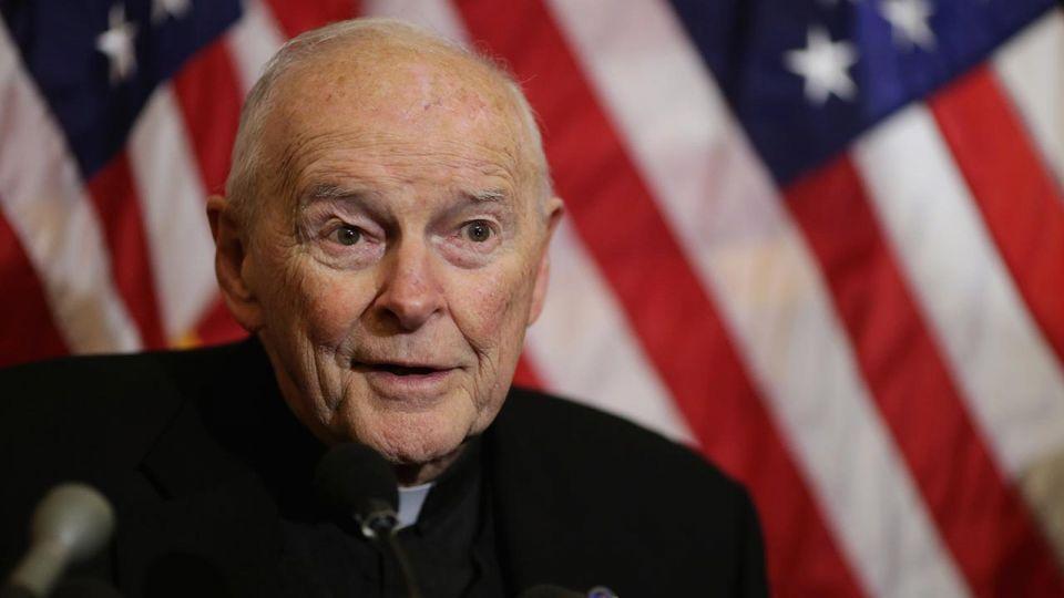 George Weigel: McCarrick bezwstydnie oszukiwał Jana Pawła II - tvp.info