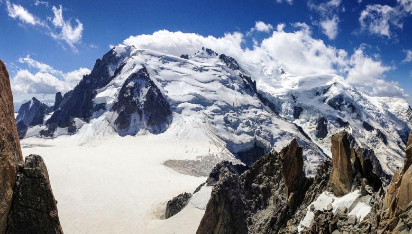 Żandarmeria znalazła ciało mężczyzny na wysokości 2200 m n.p.m., poniżej Orlego Gniazda (Nid D'Aigle) na masywie Mont Blanc (fot. Christopher Pillitz/Getty Images)