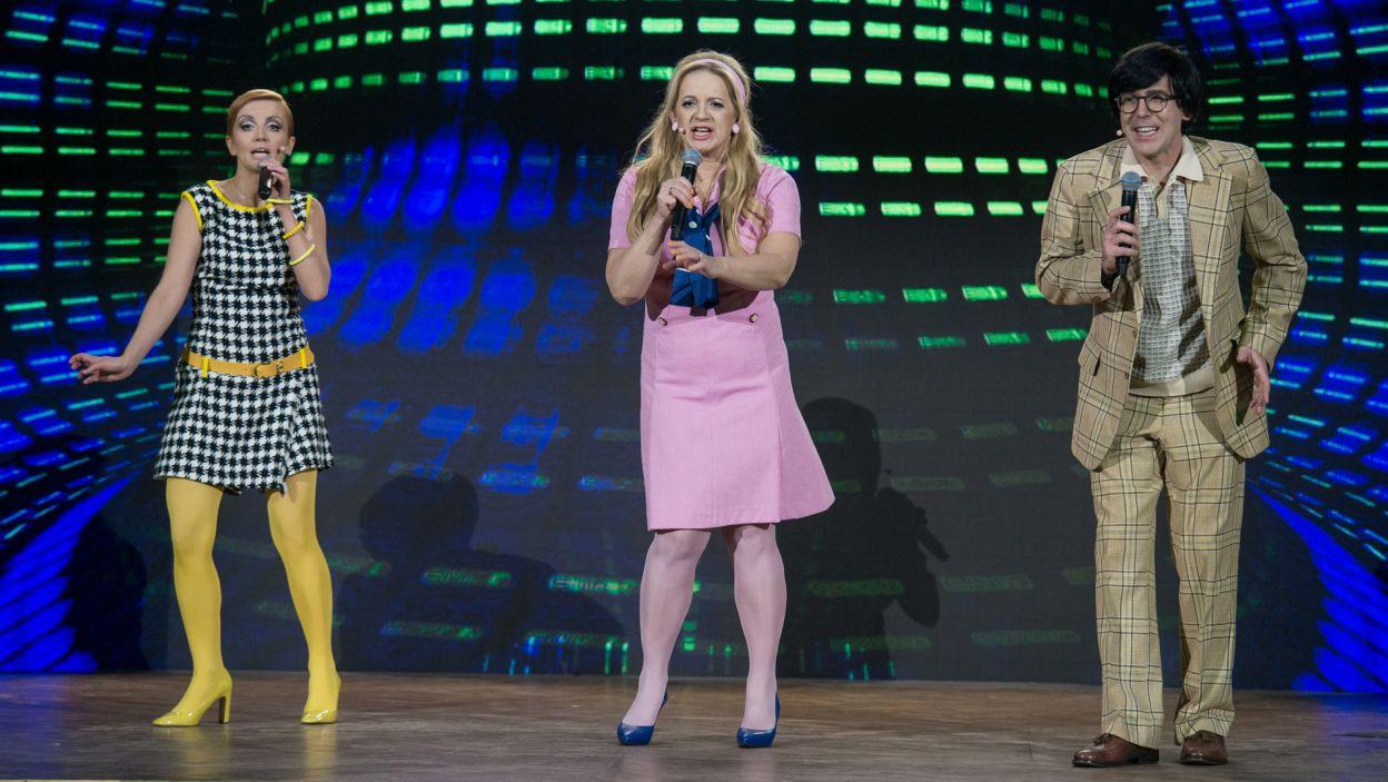 Nie tylko ona chwyciła w tym odcinku za mikrofon. Z jakim repertuarem zmierzyło się to trio? (fot. TVP)