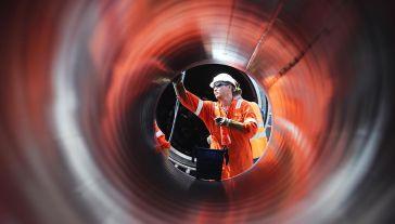 Niemcy i Rosja za przyzwoleniem USA kończą budowę Nord Stream 2 (fot.  Alexander Demianchuk\TASS via Getty Images)