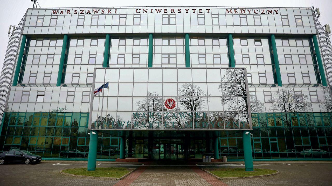 Rektor WUM wystosował oświadczenie, w którym oznajmił, że nie ustąpi ze swojej funkcji (fot. PAP/Leszek Szymański)