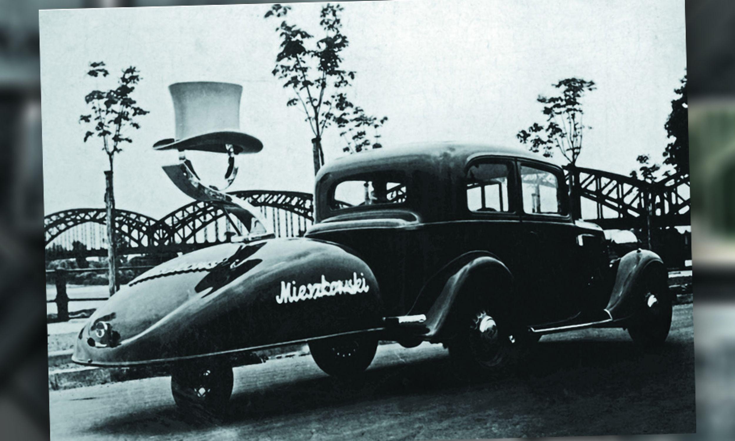 Samochodowa reklama kapeluszy firmy E. Mieszkowski (fot. zbiory E. Mieszkowskiego i Ośrodka KARTA)