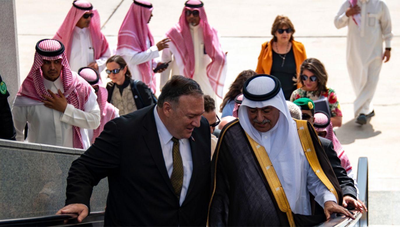 Mike Pompeo rozmawiał także z szefem saudyjskiego MSZ Ibrahimem Abdulazizem Al-Assafem (fot. PAP/EPA/Ron Przysucha / US STATE DEPARTMENT / HANDOUT)
