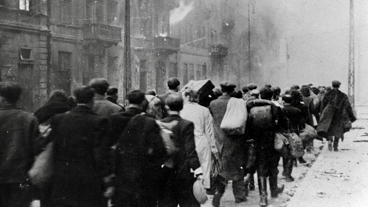 Niemcy postrzegali Polaków podobnie, jak Żydów (fot. Roger Viollet/Getty Images)