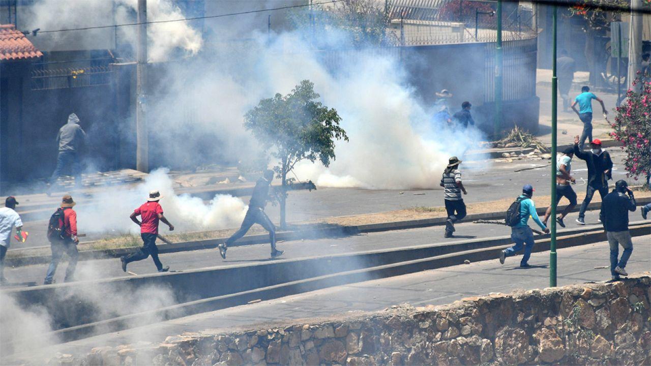 Opozycja sprzeciwia się czwartej kadencji Evo Moralesa (fot. PAP/EPA/JORGE ABREGO)