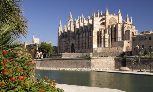 Katedra w Palma de Mallorca. Fot. Peter Thompson/Heritage Images/Getty Images