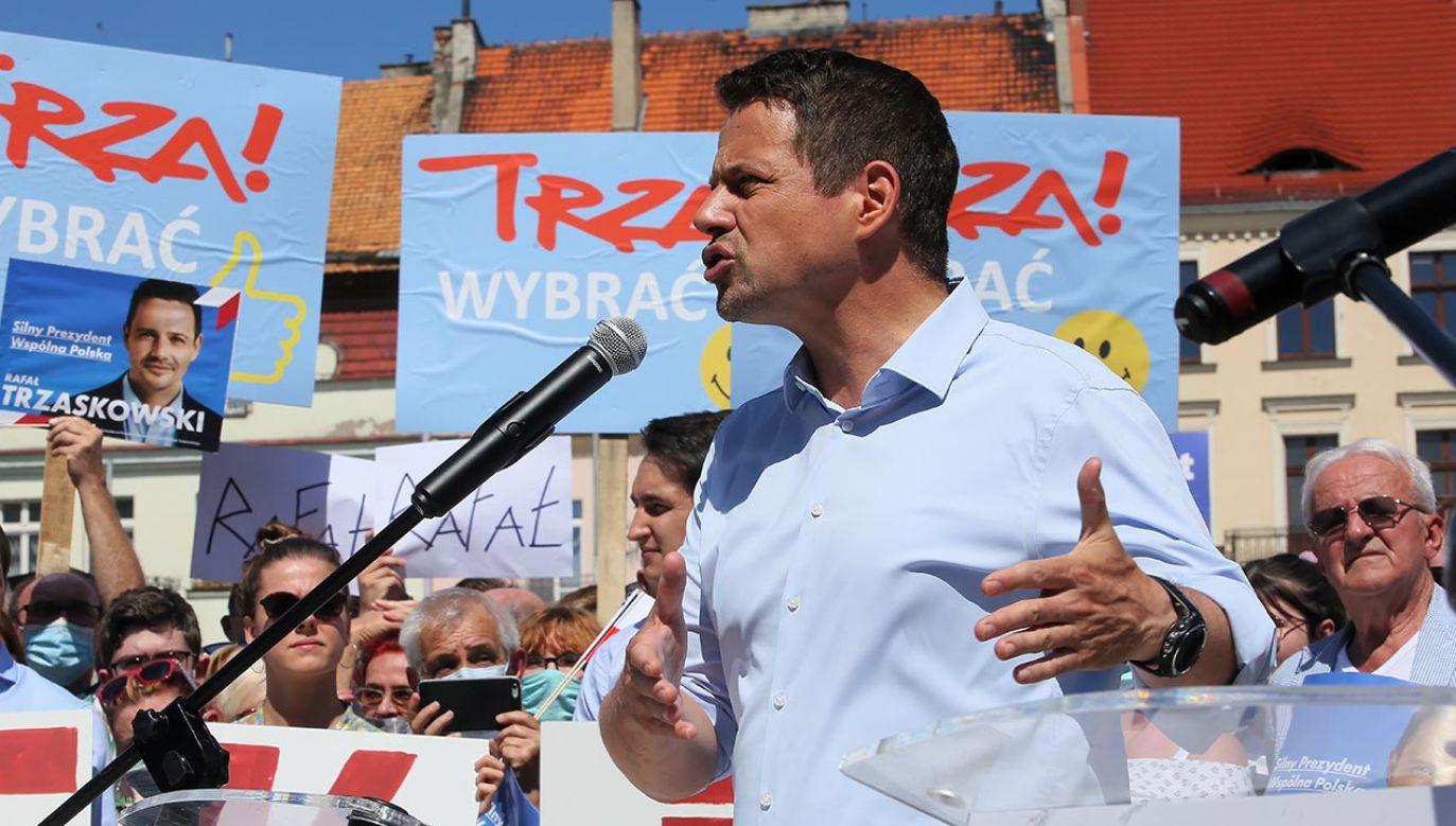 Zdaniem kandydata KO, trzeba odbudować niezależność polskiego sądownictwa (fot. PAP/Tomasz Wojtasik)