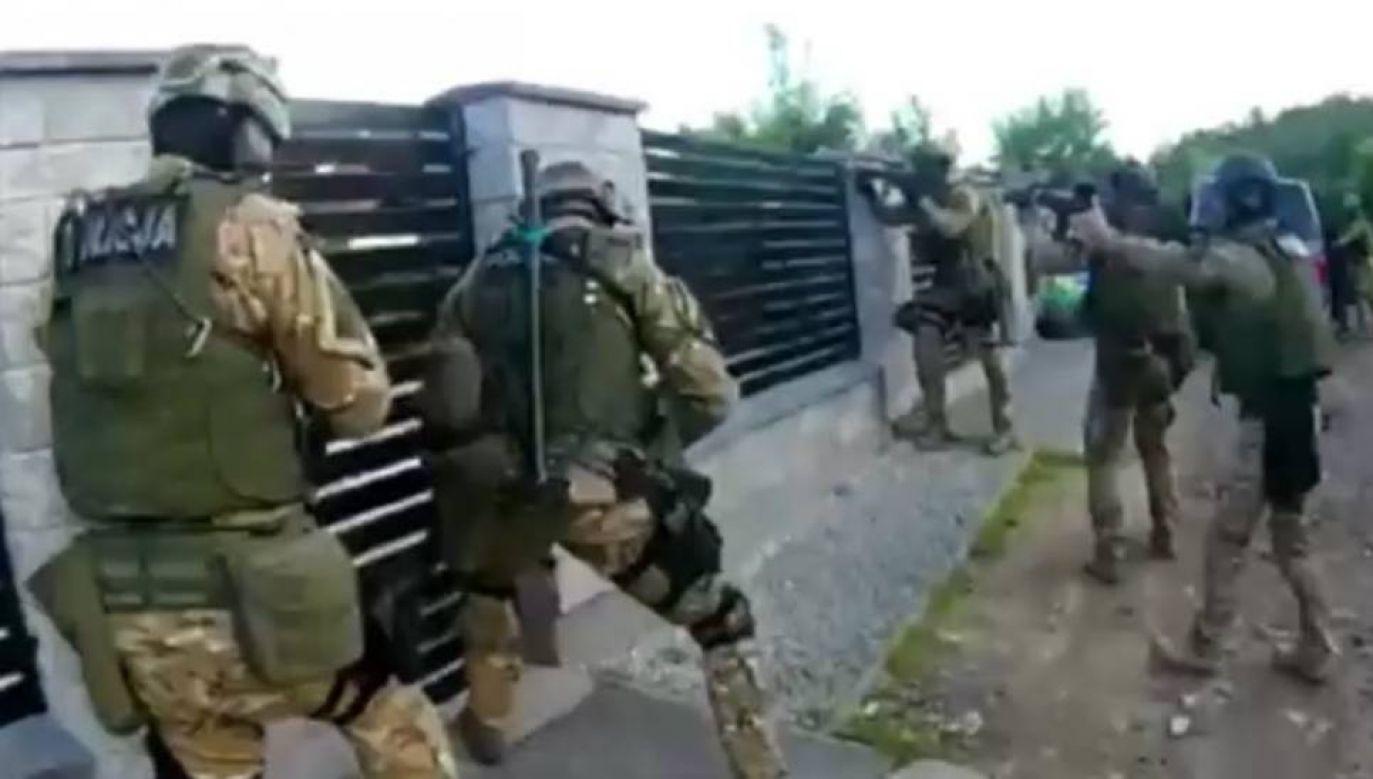 W ręce opolskich kryminalnych wpadło sześciu podejrzanych (fot. Policja Opolska)