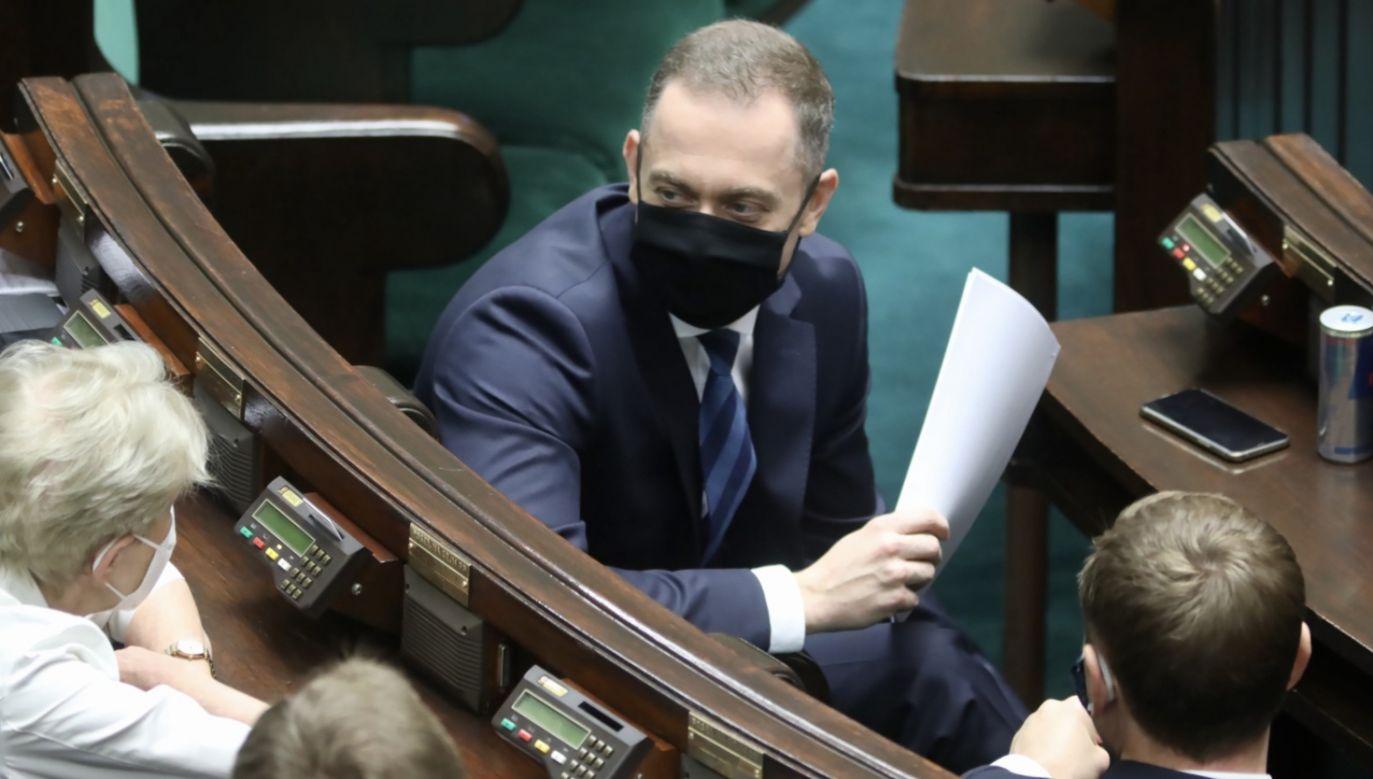 Wniosek o odroczenie obrad złożył szef klubu KO Cezary Tomczyk (fot. PAP/Leszek Szymański)