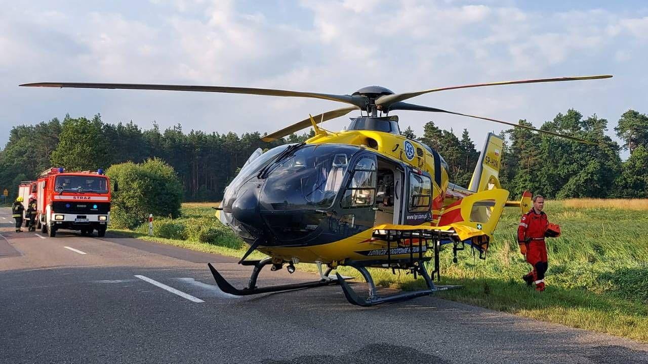 Na miejsce wypadku skierowano dwa śmigłowce LPR (fot. PAP/KPP Radomsko)