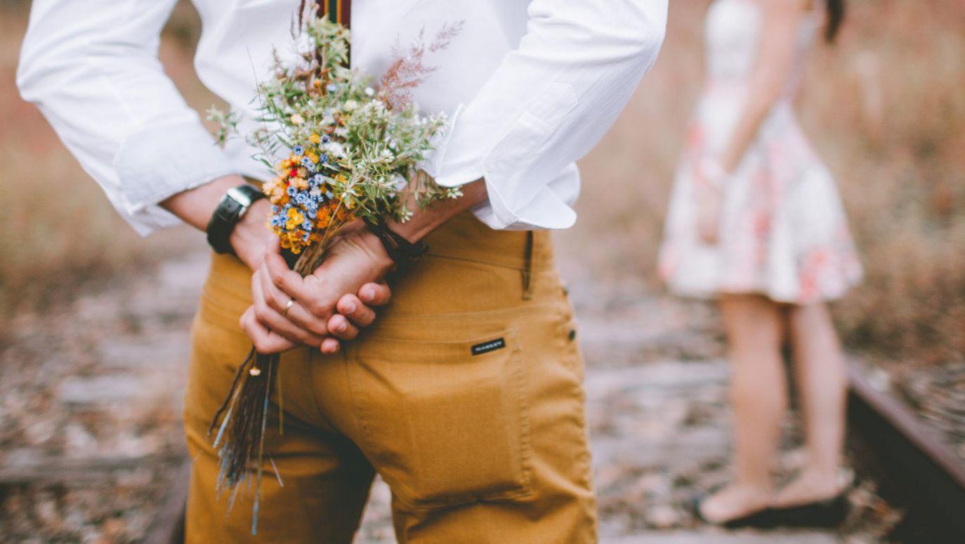 jak napisać dobry profil randkowy dla faceta