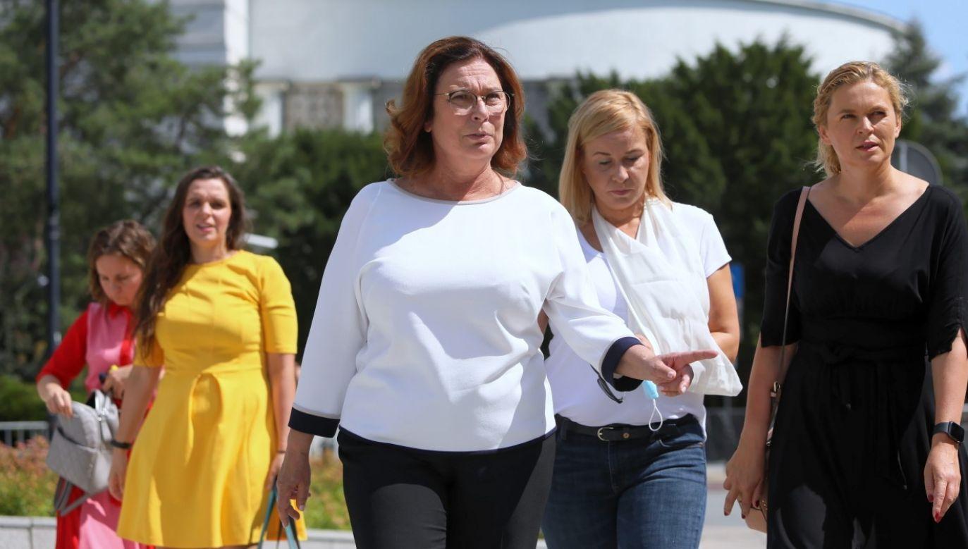 Wicemarszałek Sejmu dodała, że jeżeli są na niego mocne dowody, to też nie ma potrzeby, żeby siedział w areszcie (fot. PAP/Leszek Szymański)